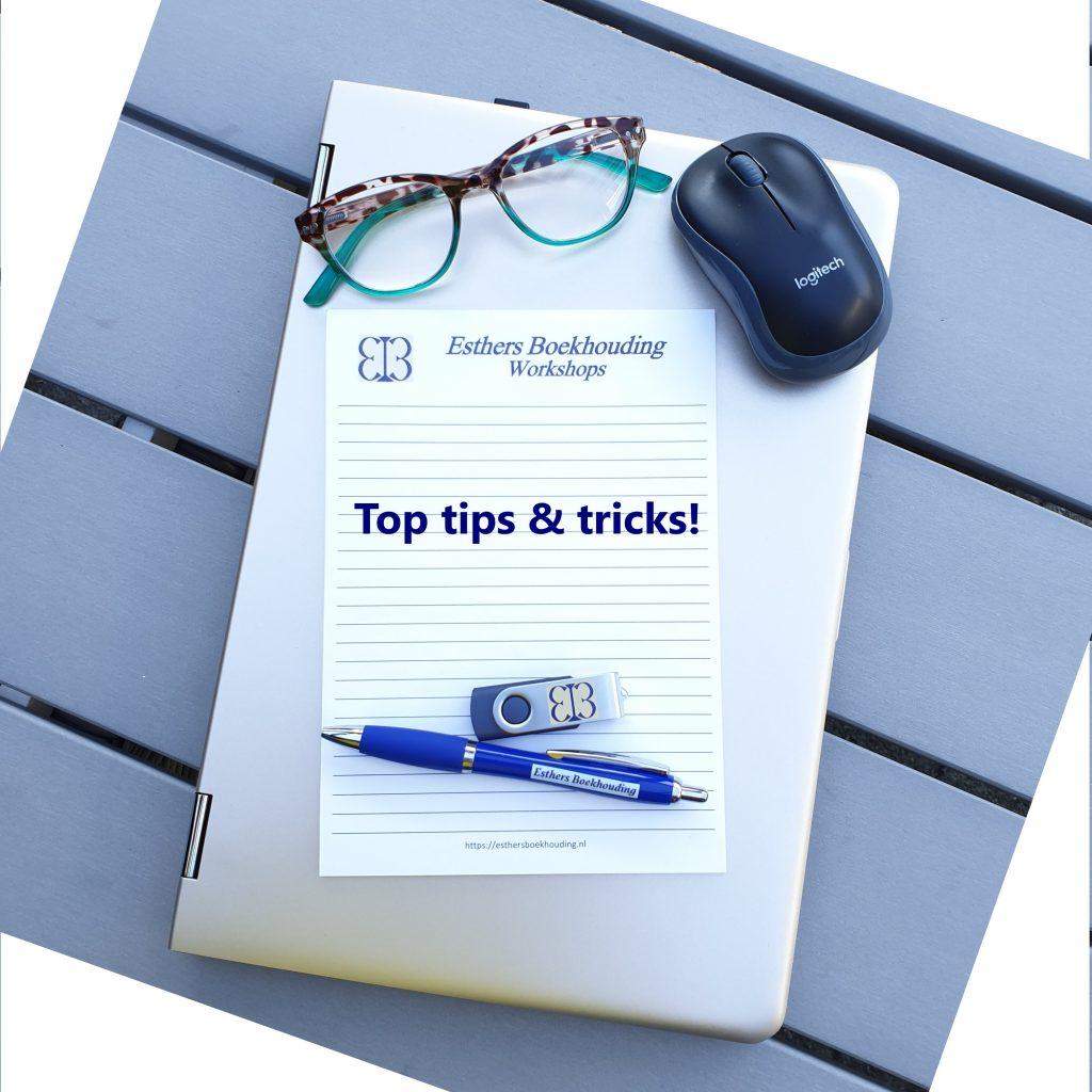 laptop, bril, notitieblok, muis, pen, usb stick